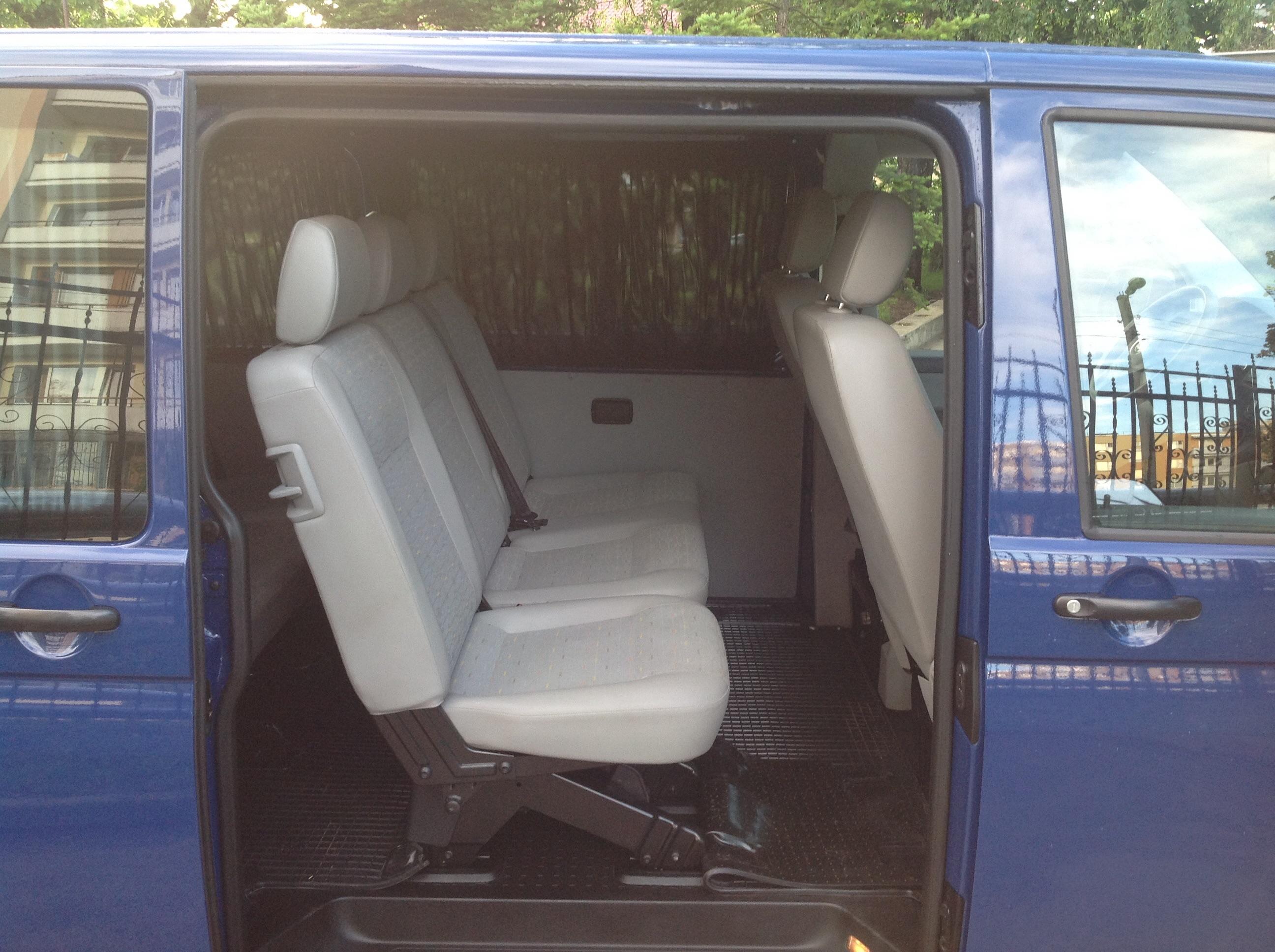 Volkswagen T5 Long внутри сзади