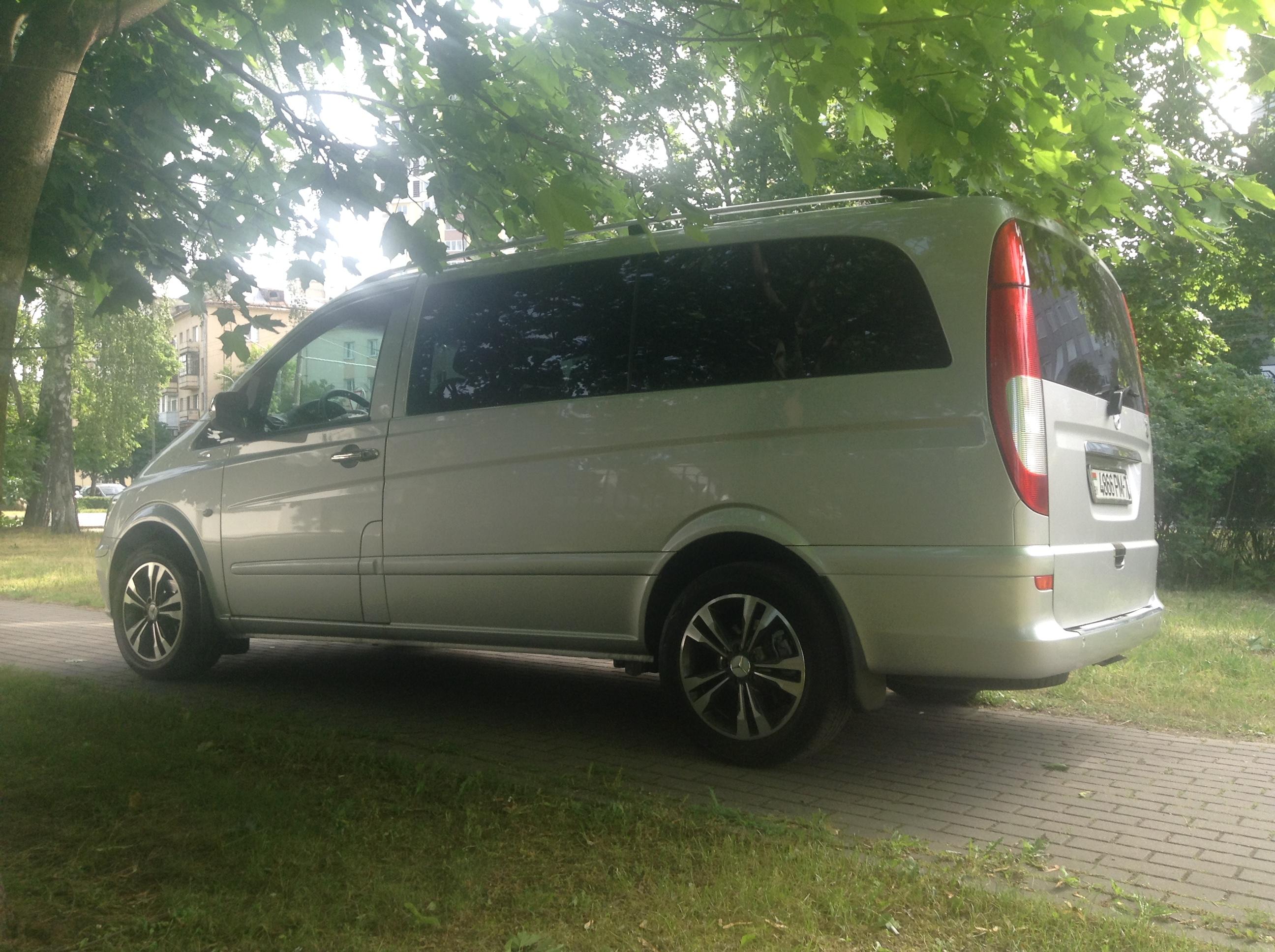 Mercedes-Benz Vito сбоку